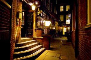 シティのオシャレなパブThe Williamsons Tavern