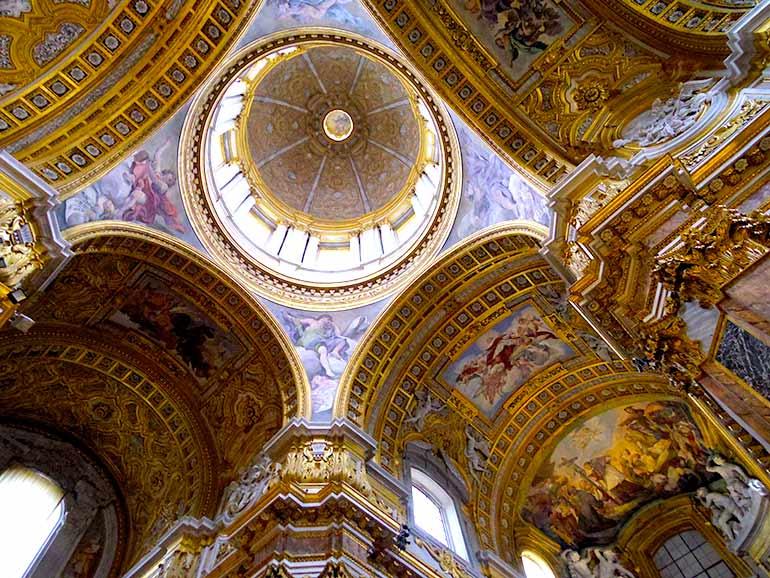 サンティ・アンブロージョ・エ・カルロ・アル・コルソ聖堂
